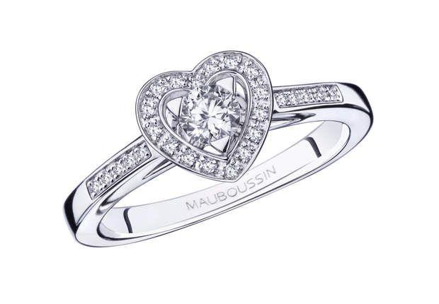 Sex Love TouchBague en or blanc, diamant 0,20 ct et pavage diamants. Modèle Sex Love Touch, Mauboussin, 1 495 €.