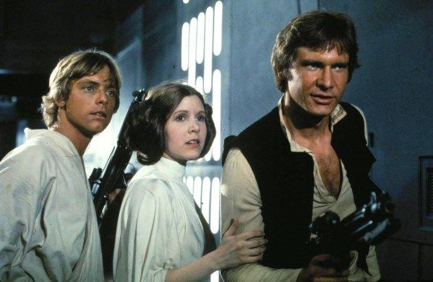 Carrie Fisher aka Prinses Leia is overleden. Ze speelde in de Star Wars Saga en was toch wel 1 van de bekendste actricess ooit.