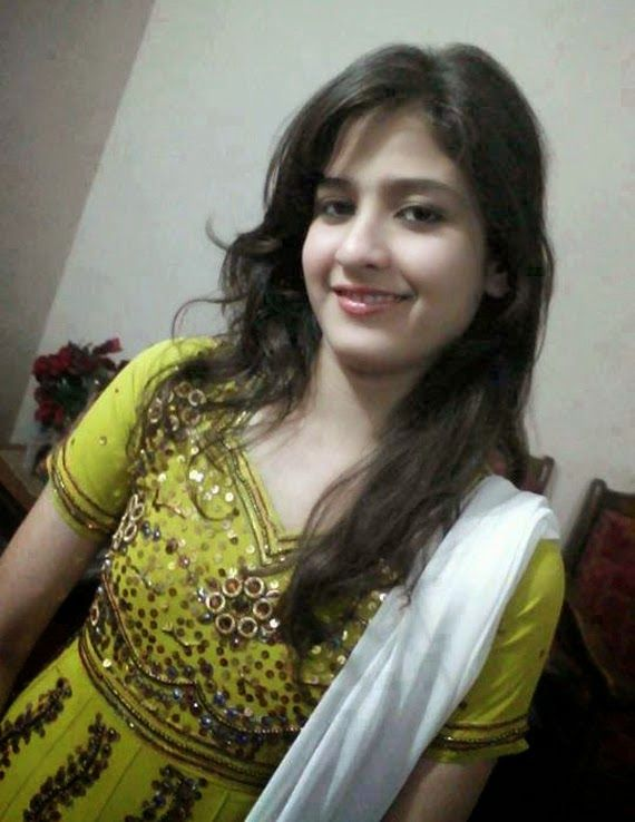 Cute Lovely Pakistani Beautiful Girls Hot Photos  Desi -8552