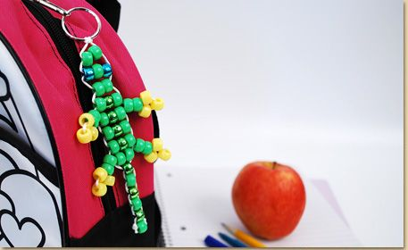 Bead Pet Gecko Made with Pony Beads - step by step photo tutorial