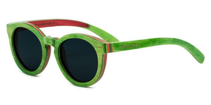 Con las Colorful Green & Red Polarized no pasarás desapercibido. En la ciudad, en la playa, en la montaña o donde quiera que estés, serás la atención de todas las miradas. Las Green & Red Polarized están diseñadas para ello. Contraste de texturas y colores. ¿Te atreves? www.northweek.com...