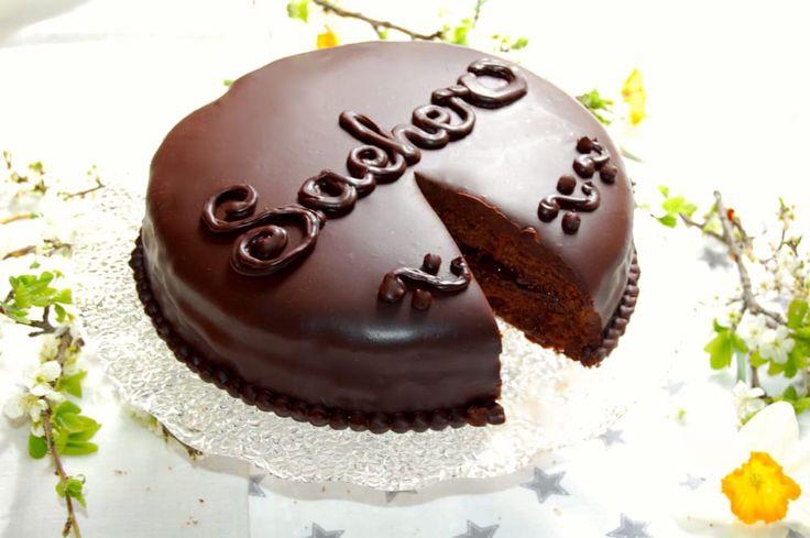 Sachertorte: la torta più apprezzata al mondo #DolceAustriaco, #Sacher, #Sachertorte, #Vienna http://eat.cudriec.com/?p=5583