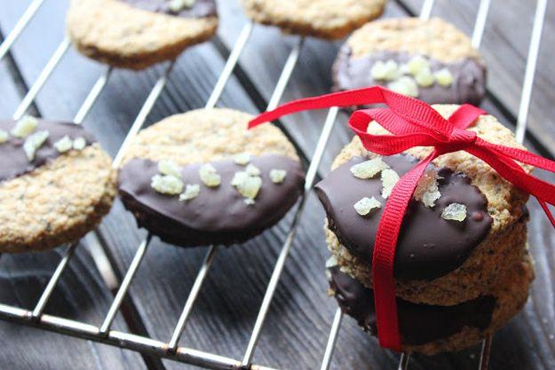 chocolate y jengibre galletas de semillas de chía (vegano y sin gluten) | 31 Healthy And Delicious Ways To Cook With Chia Seeds