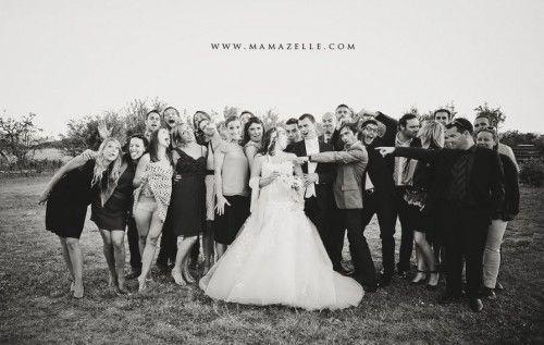Lo stile vintage è il massimo in termini di decorazione per i matrimoni. In un matrimonio che abbia questo stile si possono aggiungere miriadi di dettagli vintage, arredamento vintage industriale e il look della sposa che richiamino l'atmosfera scelta per le nozze.