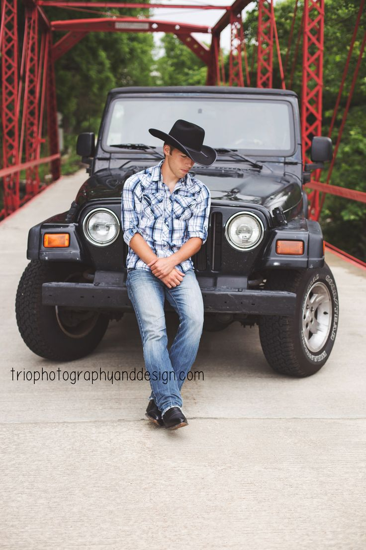 2016 Senior - senior photography - senior pictures for guys - Indiana senior photographer - Country - Jeep - Car - senior pictures with cars - Trio Photography and Design - Greenwood, IN