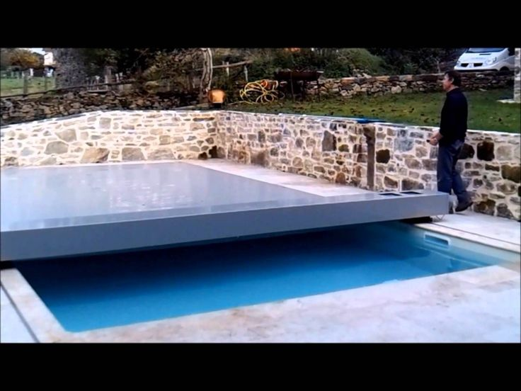 1000 ideas about securite piscine on pinterest stair for Piscine couverture mobile