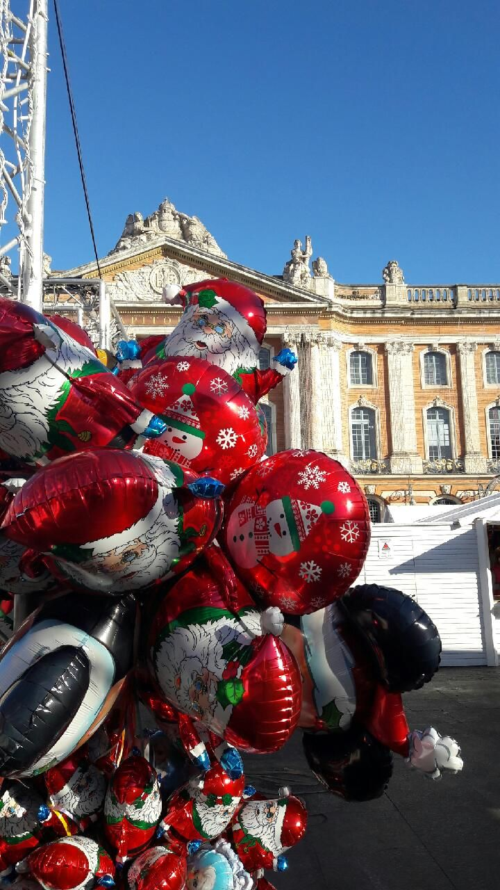 Christmas market in Toulouse, France © M. Girardeau - Office de tourisme de Toulouse #visiteztoulouse