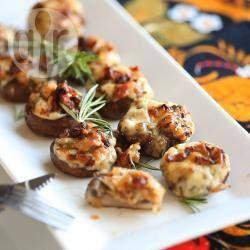 Фаршированные сыром грибы