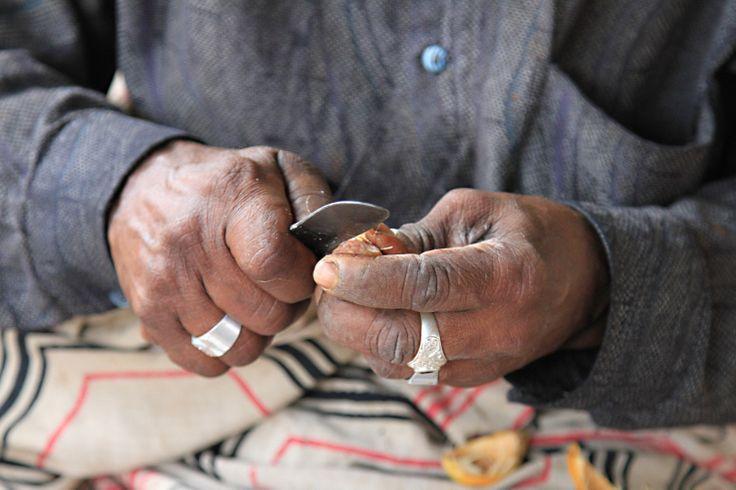 betel nut vendor, Sri Lanka