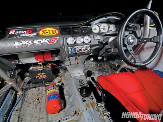Htup_1009_07_z+1995_honda_civic_hatch_racecar+interior_view