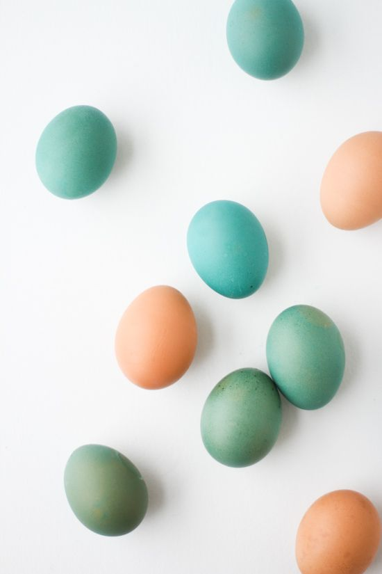 A Simple Trick for Getting More Unique Colors When Egg Dyeing