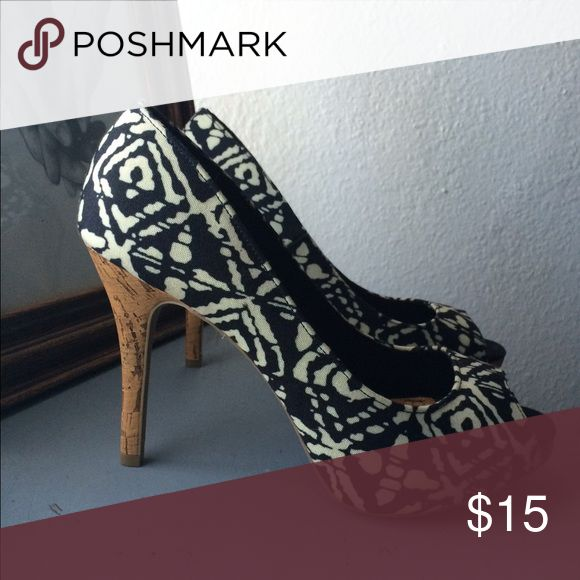 Manic Pattern + Cork Heels sz 9.5 Perfect condition Christian Siriano Shoes Heels