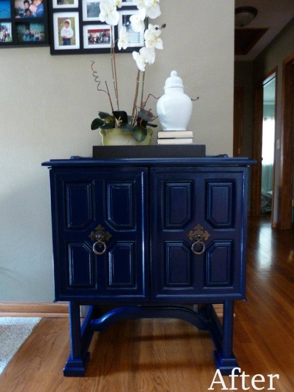 Glossy Spray Painted Dining Room Furniture
