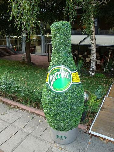 Guerrilla Marketing в България - Perrier_GM_Example1 by Janet Naidenova, PD