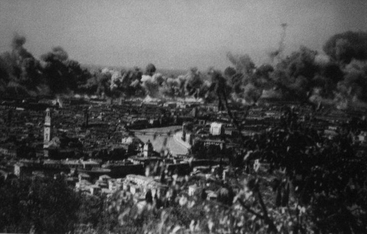 Bombardamenti su Verona nel Luglio '44 http://www.veronavintage.it/verona-antica/verona-ferita/bombardamenti-su-verona-nel-luglio-44-2