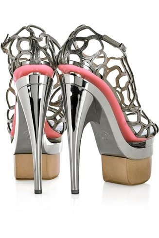 VERSACE I am in LOVE! #shoes #fashion