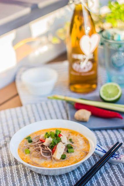 Emcia Pichci!: Tajska zupa z kurczakiem