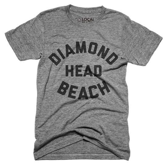 『DIAMOND HEAD BEACH』ダイアモンドヘッドビーチのロゴがプリントされたTシャツ。ハワイ・オアフ島の中に多数ある有名サーフスポットの一つ、ダイアモンドヘッドビーチ。そんなダイアモンドヘッドビーチ好きな人にオススメな一枚。Unisex Classic Series T-shirt - Size XS,S,M,L,XL - Tags : #diamondhead #diamondheadbeach #ダイアモンドヘッド #ダイアモンドヘッドビーチ #ハワイ #hawaii #アロハ #aloha