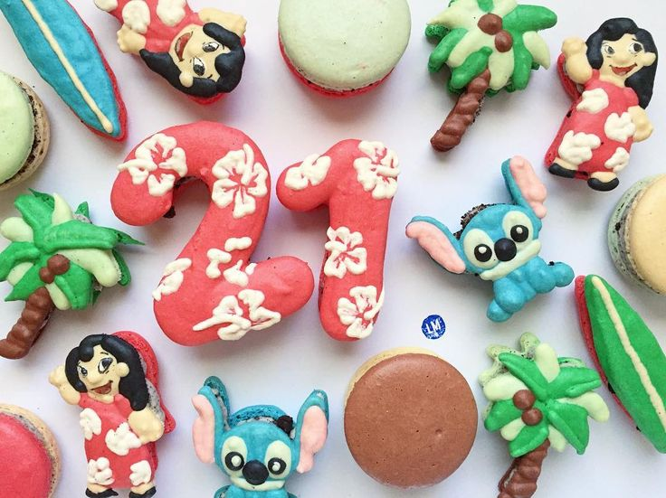 #mulpix A tropical 21st birthday 🏽♀️ #lilo #stitch #hawaii #surfboard #palmtrees #coconut #hibiscus #macarons #macaron #frenchmacaron #macaronart #foodart #littlemixersweets #sgv #pasadena #losangeles #birthday