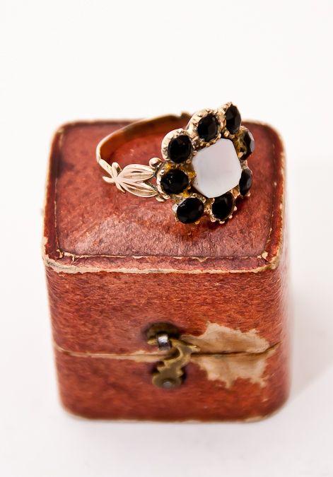 Georgian Gold & Jet Mourning Ring