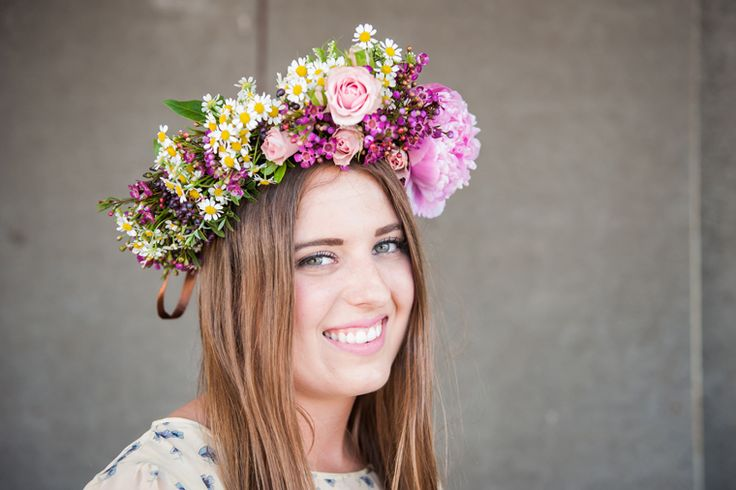 NATIONAL FLOWER CROWN DAY – SEPTEMBER 24TH http://www.junoandjoy.co.uk/flower-guide/national-flower-crown-day-september-24th/