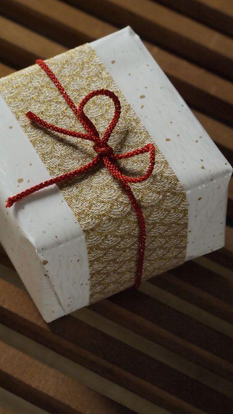 ご贈答などには、花ほうろオリジナルの包装でお届けいたします。