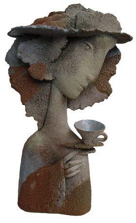 Девушка с чашкой. 1998г. Шамот, глазури. Выс. 32см.