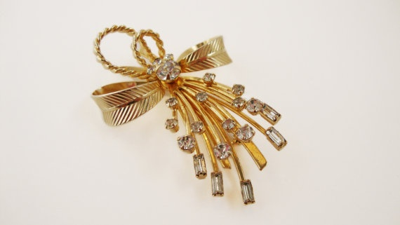 #Vintage Sarah #Coventry Gold #Brooch by TreasuresOnBroadway #Etsy, $38.00