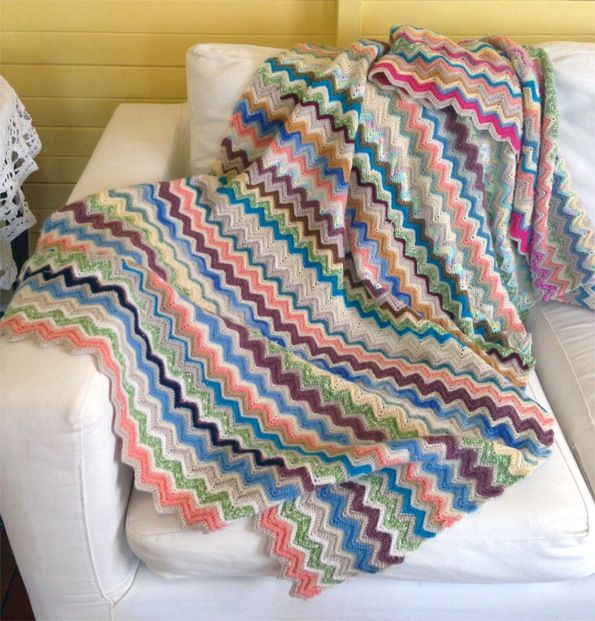 Crochet Pattern For Zig Zag Rug : 95 Best images about Cheries bubba on Pinterest Zig zag ...