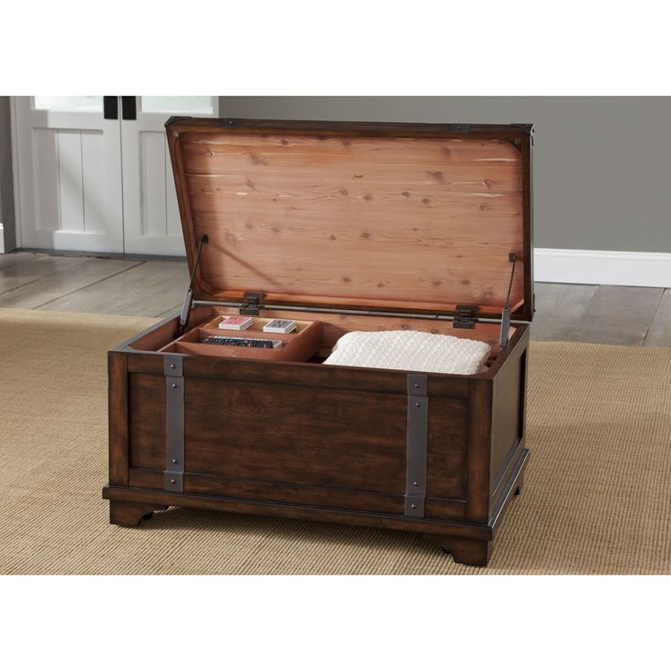 Liberty Aspen Skies Storage Trunk