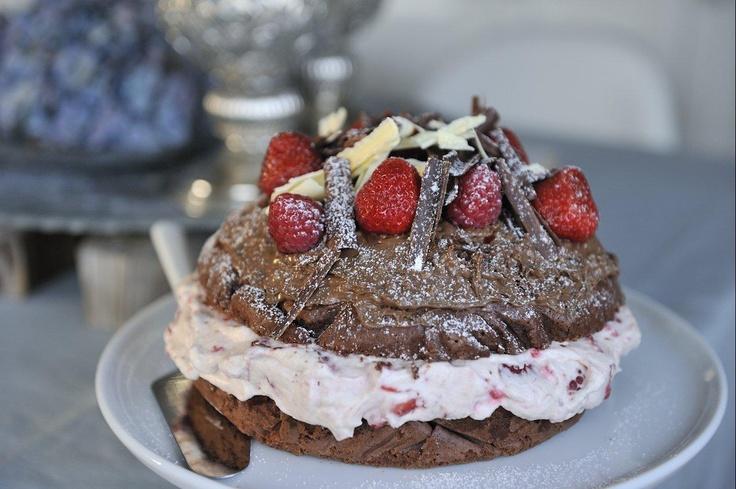 Sjokoladekake med jordbærkrem