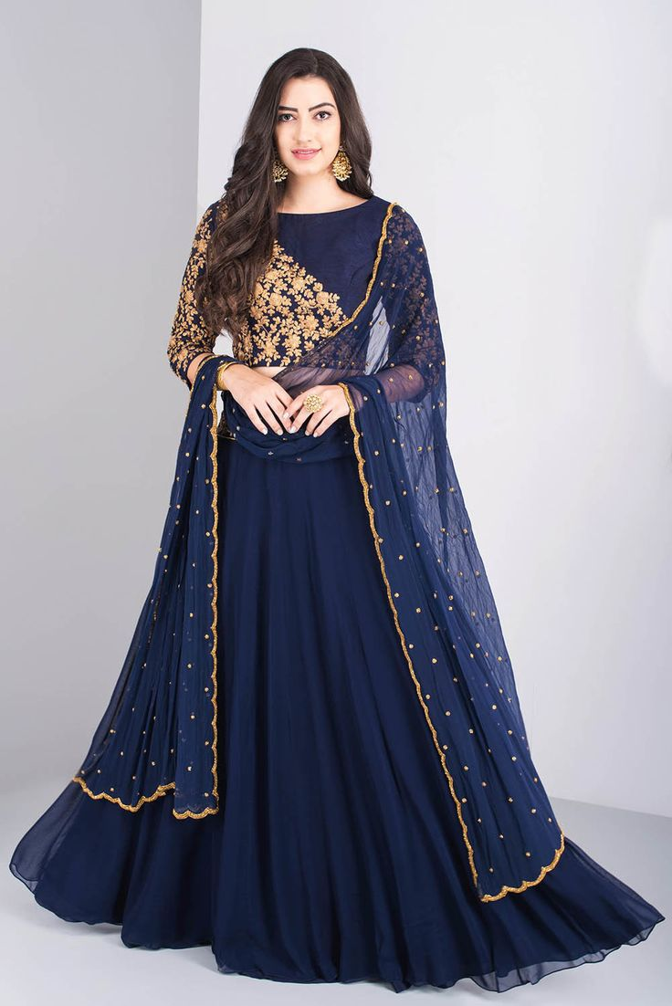 ROORA BY RITAM croptop dori work lehenga set with dupatta #Flyrobe #Bride #Wedding #Lehenga #IndianWedding #designer #designerlehenga #lehengacholi