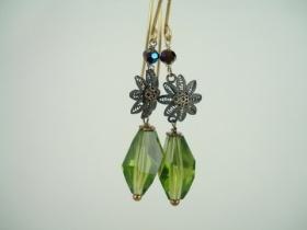 """Pia Andersen Smykker  - One of a kind med vintage perler og krystaller    Gå selv på opdagelse og se alle """"skønhederne"""" ..."""