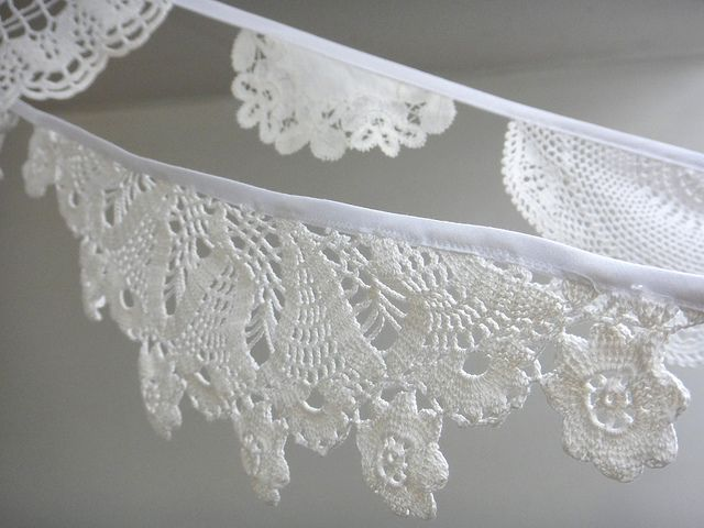 doily & bias tape - garland!!! I need hundreds of feet of this, right now!!!