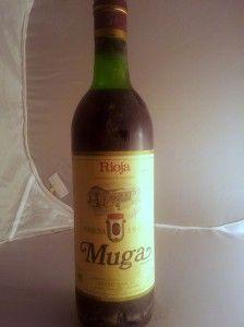Bodega: Bodegas Muga D.O./Zona: D.O.Ca Rioja País: España Tipo de vino: Tinto Graduación (vol): 13% Varietales: 75% tempranillo, 15% mazuelo, 10% graciano