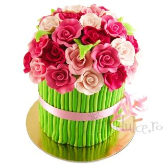 Nu astepta ocazii speciale si ofera-i acest minunat buchet de flori dulci. Mesajul tau de dragoste va fi complet.