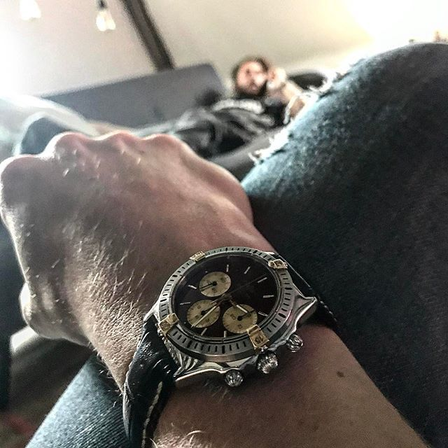 REPOST!!!  Rocking the vintage Breitling chronograph today #vintage #vintagewatch #wristwatch #maroonface #twotone #breitling #chronograph #watchporn #watchesofinstagram #navycroc #boystoys #chilledsaturdays  Photo Credit: Instagram ID @spendlovely