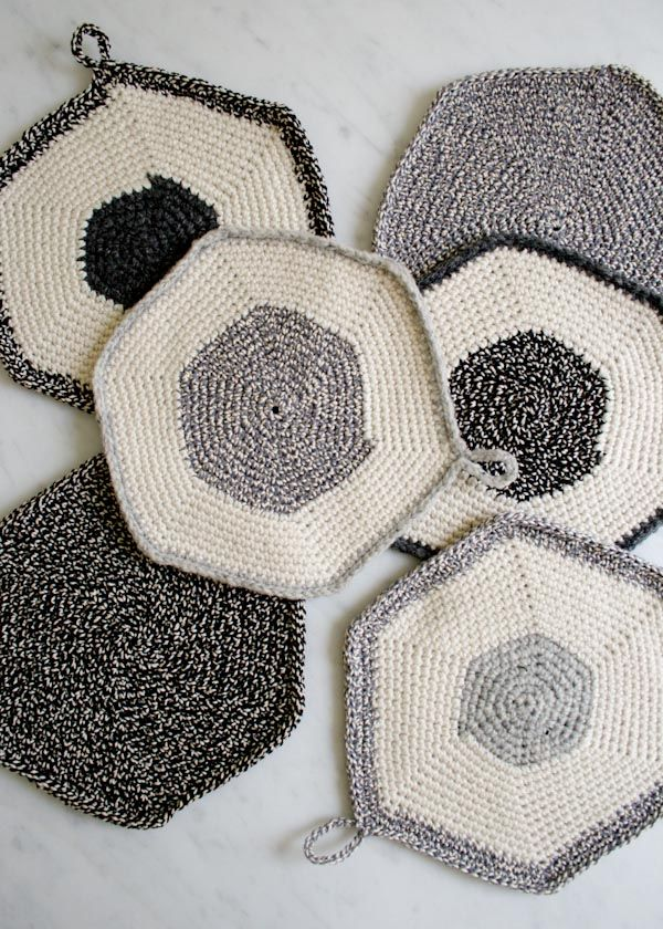Whit's Knits: Crocheted Set-of-Three Pot Holders
