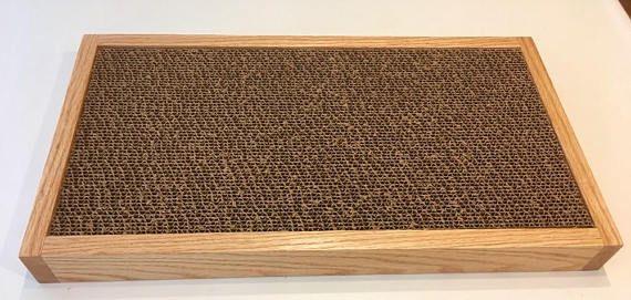 Cartón Cat Scratcher marco de madera grande