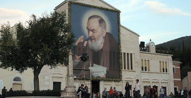 San Giovanni Rotondo, Padre Pio e la Casa Sollievo della Sofferenza - Puglia Turismo