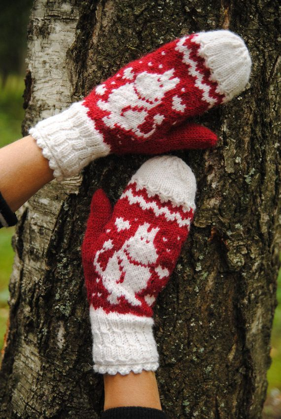 Moomin mittens by FoxyChest on Etsy. #moomin #handmade #fairytale #knitting #mittens #nature #red #style #woman #fashion #kawaii