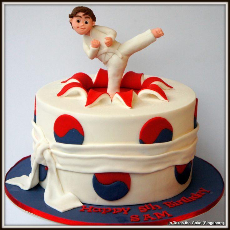 Les 49 meilleures images du tableau taekwondo party sur for Decoration chambre karate