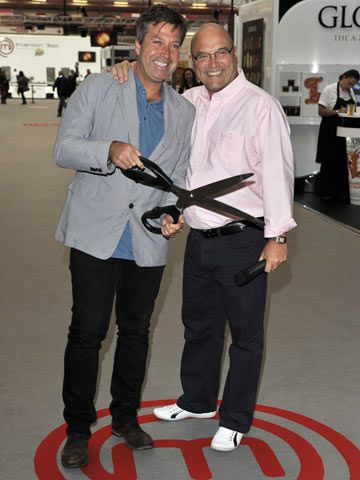 With co-star John Torode at MasterChef Live in London on 12 November 2010, Gregg Wallace wears an unflattering pair of trousers. Read more at http://www.celebsnow.co.uk/celebrity-pictures/masterchef-judge-gregg-wallaces-weight-loss-story-in-pictures-72802#t1oBwI2gJQQ8kCSZ.99