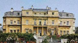 """Luton Hoo straddles the Herts +Beds borders between the towns of Harpenden +Luton. The unusual name """"Hoo"""" is a Saxon word meaning the spur of a hill, +is associated more with East Anglia."""