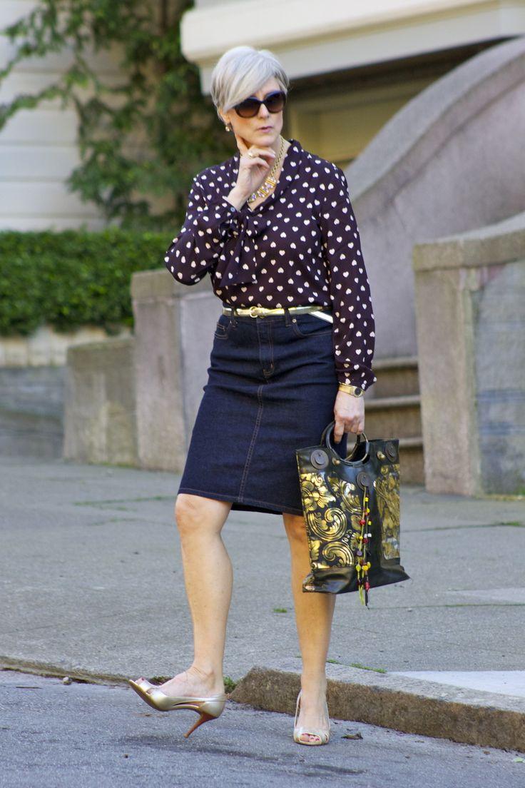 outfit post skirt #RalphLauren; shirt #Loft; belt #JCrew; shoes #Talbots; handbag #IpaNima; sunglasses #RayBan