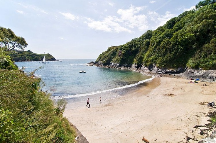 Great little beach at Ready Money Cove, Fowey. And there's usually a nice little ice cream van there.