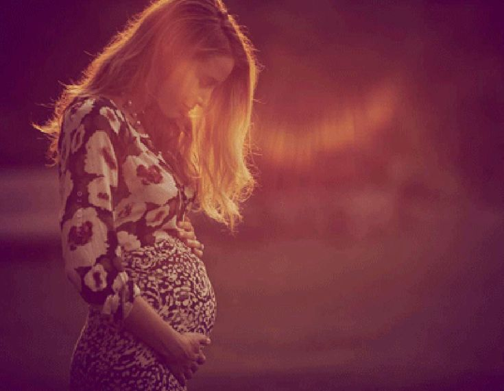 Con una bellissima foto sul suo sito, l'attrice di Gossip Girl dichiara la sua maternità