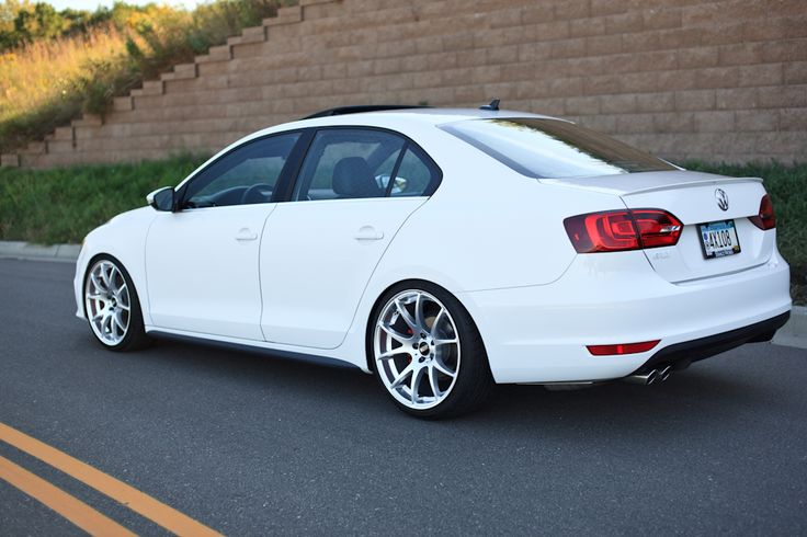they're VMR 713's. 19x8.5 and 19x9.5