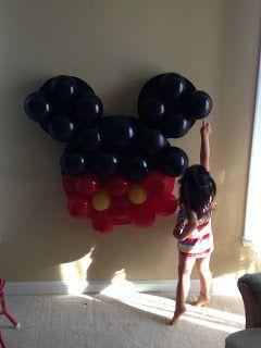 Joyce Gourmet: Minnie Mouse Birthday Cake & Mickey / Minnie Cake Pops