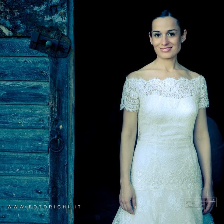 Il trucco della sposa non deve costituire una maschera, o una finzione attrattiva; quanto piuttosto un leale inganno, piacevole e allettante, che ha il solo fine di evidenziare la bellezza, senza il bisogno di crearla.